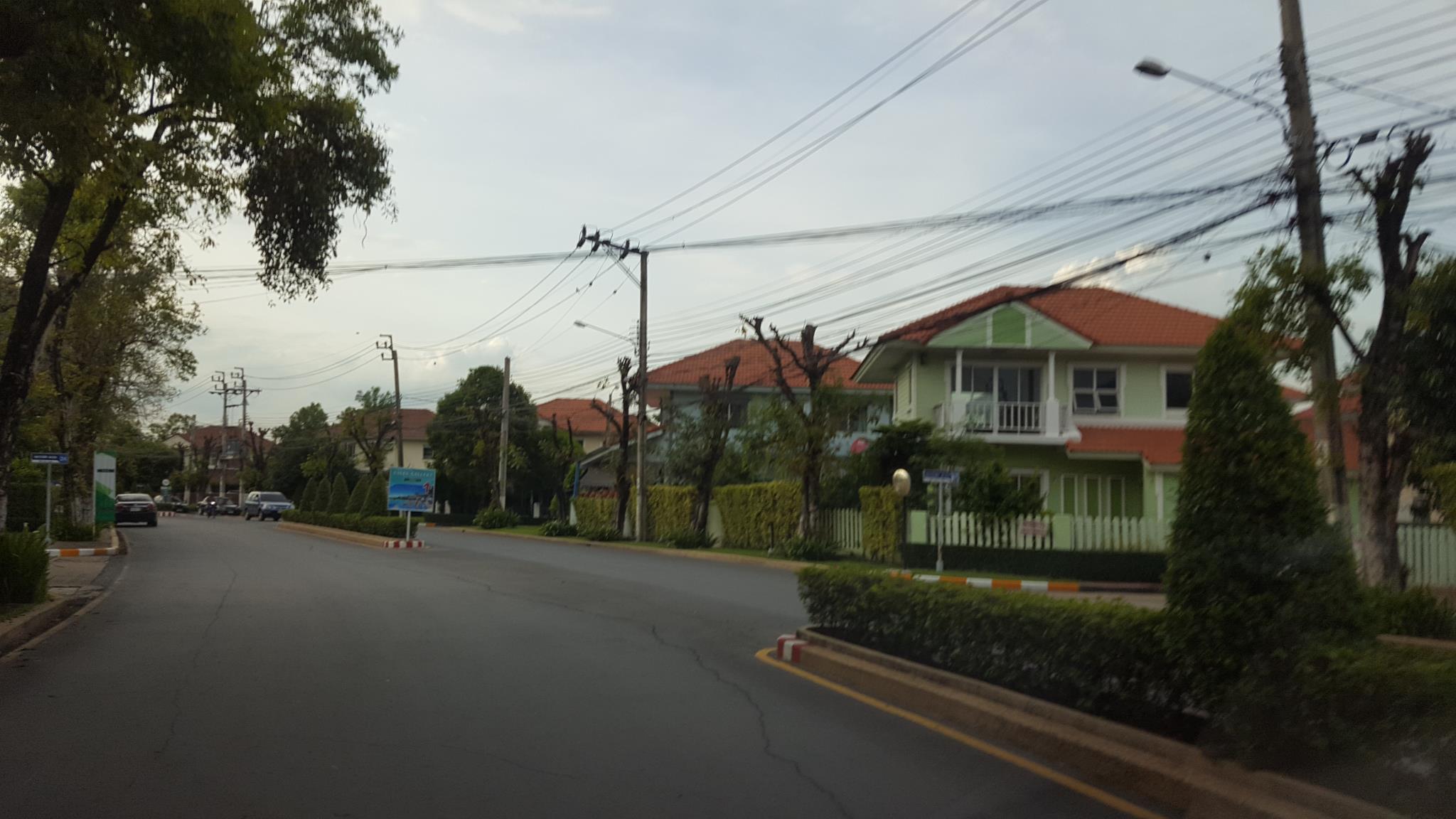 An atmospheric house near the heart of a city
