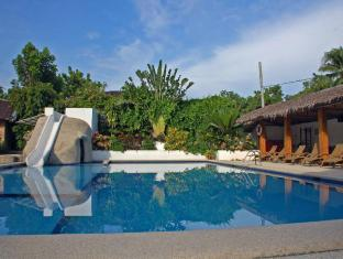 Marcosas Cottages Resort Moalboal - Piscina