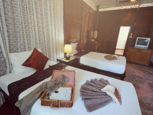 The Legend Maeklong Amphawa (Samut Songkhram) - Guest Room