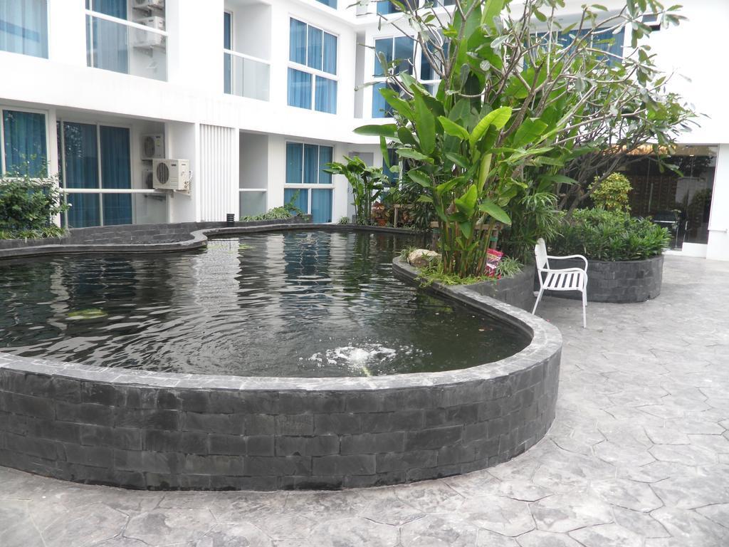 Serenity Wongamat Studio (Condo Rentals Pattaya),Serenity Wongamat Studio (Condo Rentals Pattaya)