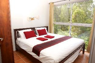 Apartment 100m from the Laem Mae Phim beach