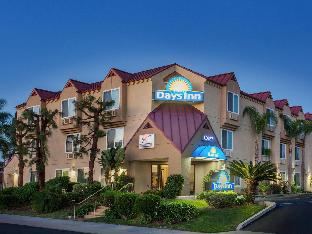 Days Inn by Wyndham Carlsbad