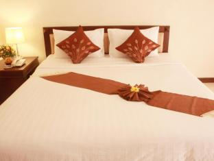 Airport Resort Phuket - Hotellihuone