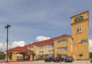 La Quinta Inn & Suites Bridge City