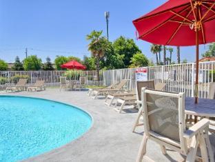 Motel 6 Fresno - Blackstone North