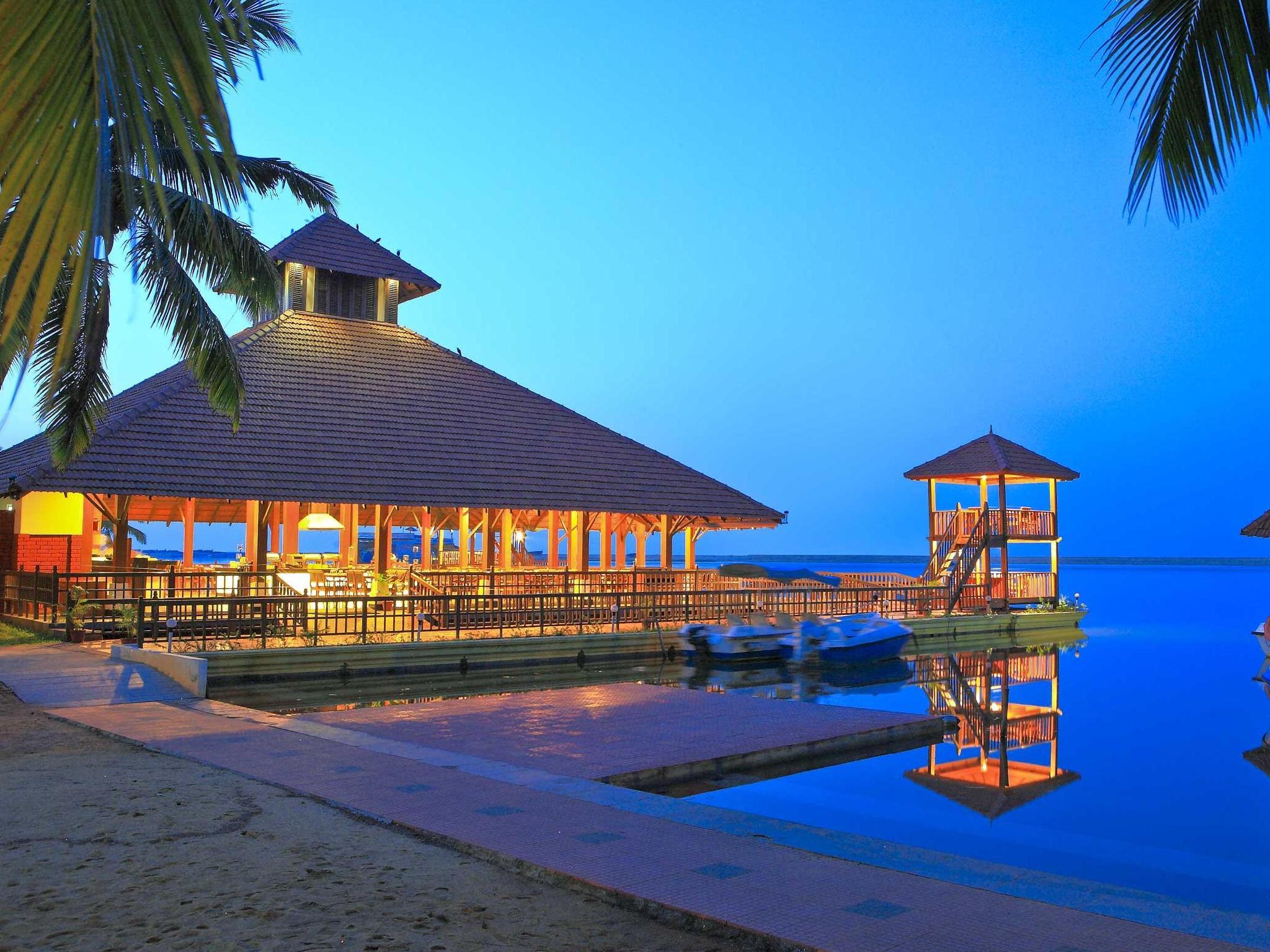 Estuary island resort photos
