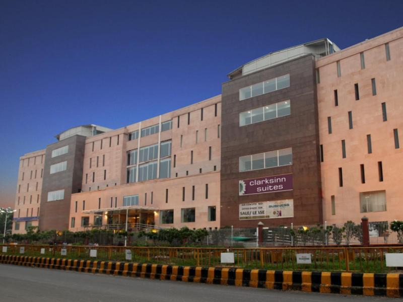 Clarks Inn Hotel Delhi Clarks Inn Suites Delhi Ncr