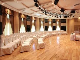 The Hanoi Club Hotel & Lake Palais Residences Hanoi - Meeting Room