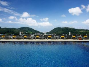 Centra Ashlee Hotel Patong Phuket - Swimming Pool