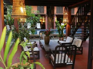 The Village House Kuching - Interior del hotel