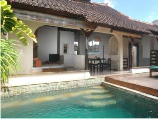 Villa Kresna Boutique Villa Bali - Piscina
