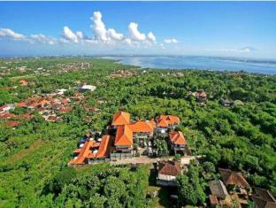 Jimbaran Cliffs Private Hotel & Spa Bali - Benoa harbour in the background