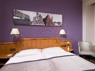 Best guest rating in Karlsruhe ➦ A&O Hotel & Hostel Karlsruhe Hauptbahnhof takes PayPal