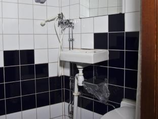 Rygerfjord Hotel & Hostel Stockholm - Bathroom