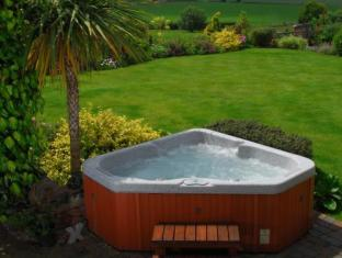 The Hayloft Hotel Droitwich - Hot Tub