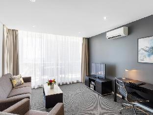 Meriton Serviced Apartments Southport PayPal Hotel Gold Coast