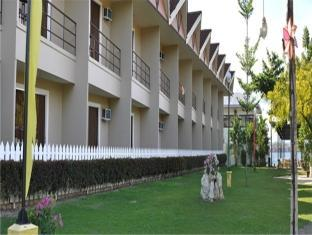 Camp Holiday Resort & Recreation Area Davao Stadt - Hotel Aussenansicht
