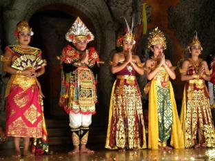 Batu Karang Lembongan Resort and Day Spa Bali - Balinese Dance Performances on the Island