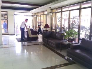 Blue Velvet Hotel & Cafe Davao City - Lobby