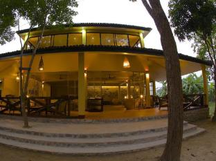 Maruni Sanctuary Lodge Chitwan National Park - Tharu House