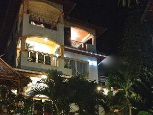 Oasis Villa Phuket - Oasis Villa at night