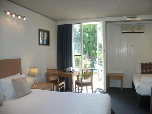 Parkwood Motel & Apartments hotel accepts paypal in Geelong