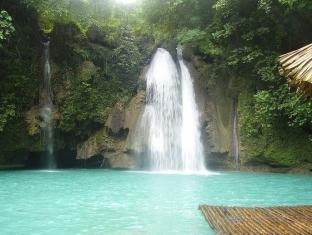 Savedra Beach Bungalows Cebu - Nearby Attraction - Kawasan Falls