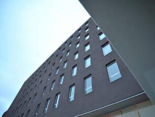 布拉加拜席斯基本酒店