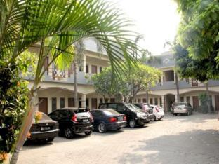 Genteng Ijo Residence Room 9