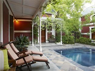 Roosenwijn Guest House Stellenbosch - Courtyard & swimming pool