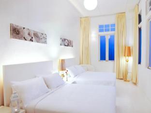 Chulia Heritage Hotel Penang - Basic Family room with shared bathroom