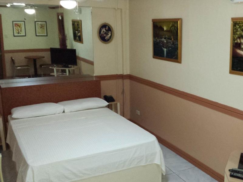 ココモス ホテル & レストラン