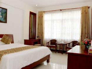 City Hotel – 18 Luu Van Lang St. Ho Chi Minh City - Guest Room
