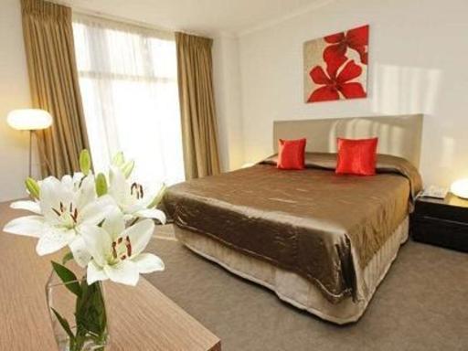 Indulge Apartments Ontario PayPal Hotel Mildura