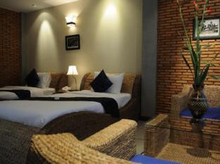 Frangipani Fine Arts Hotel Phnom Penh - Phòng khách