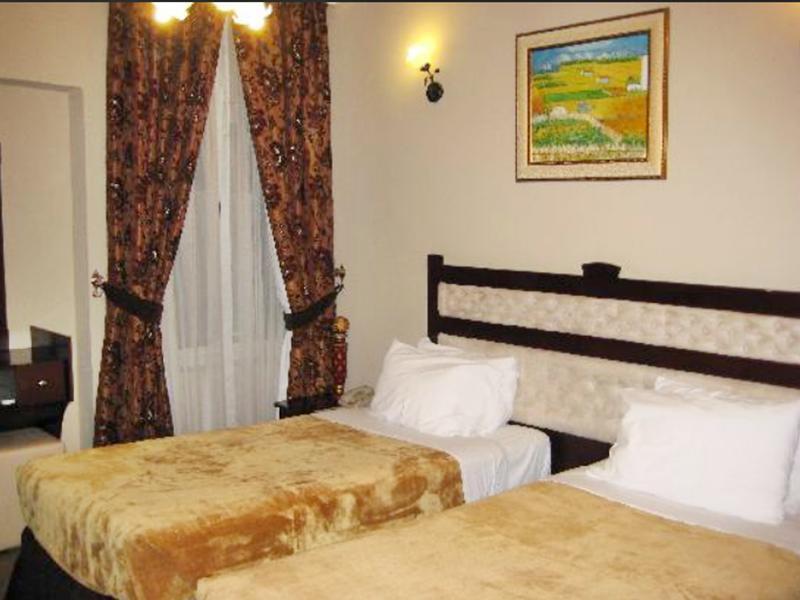 Al Bustan Tower Hotel Suites -