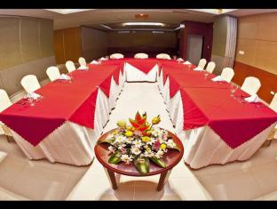 Allure Hotel & Suites Mandaue City - Meeting Room