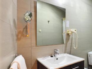 Hotel Cuatro Naciones Barcelona - Bathroom