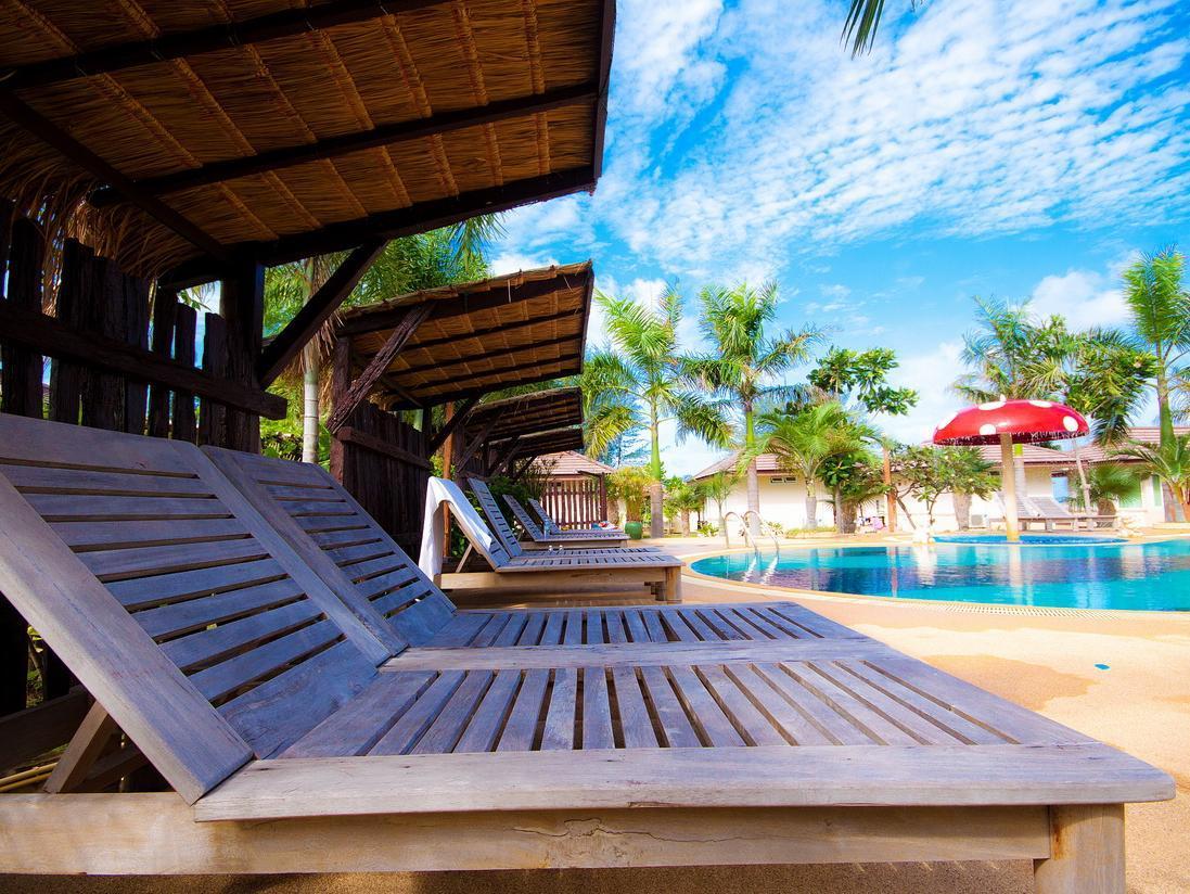 拉丹那普拉海滩度假村,รัตนปุระ บีช รีสอร์ท