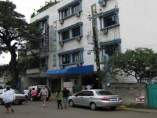 Fuente Pension House Cebu City - Hotellet från utsidan
