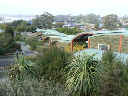 Best guest rating in Bridport ➦ Platypus Park Country Retreat takes PayPal