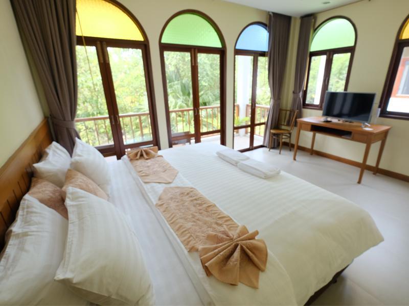班茵索克度假酒店,บ้านอิ่มสุข รีสอร์ท