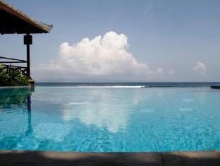 The Natia a Seaside Hotel Bali - Kolam renang