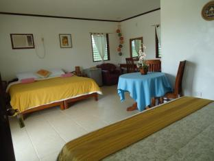 Bonita Oasis Beach Resort Cebu - Family room