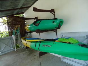 Bonita Oasis Beach Resort Cebu - Kayaking