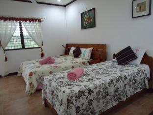 Bonita Oasis Beach Resort Cebu - Guest room
