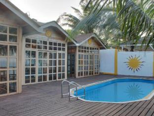 Aryans Hotel North Goa - Swimming Pool