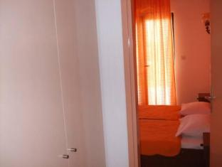 Apartments Racic Hvar - Guest Room