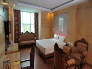 Hotel Emarald New Delhi and NCR - Suite Room