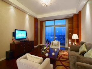 Lakeview Deluxe Suite